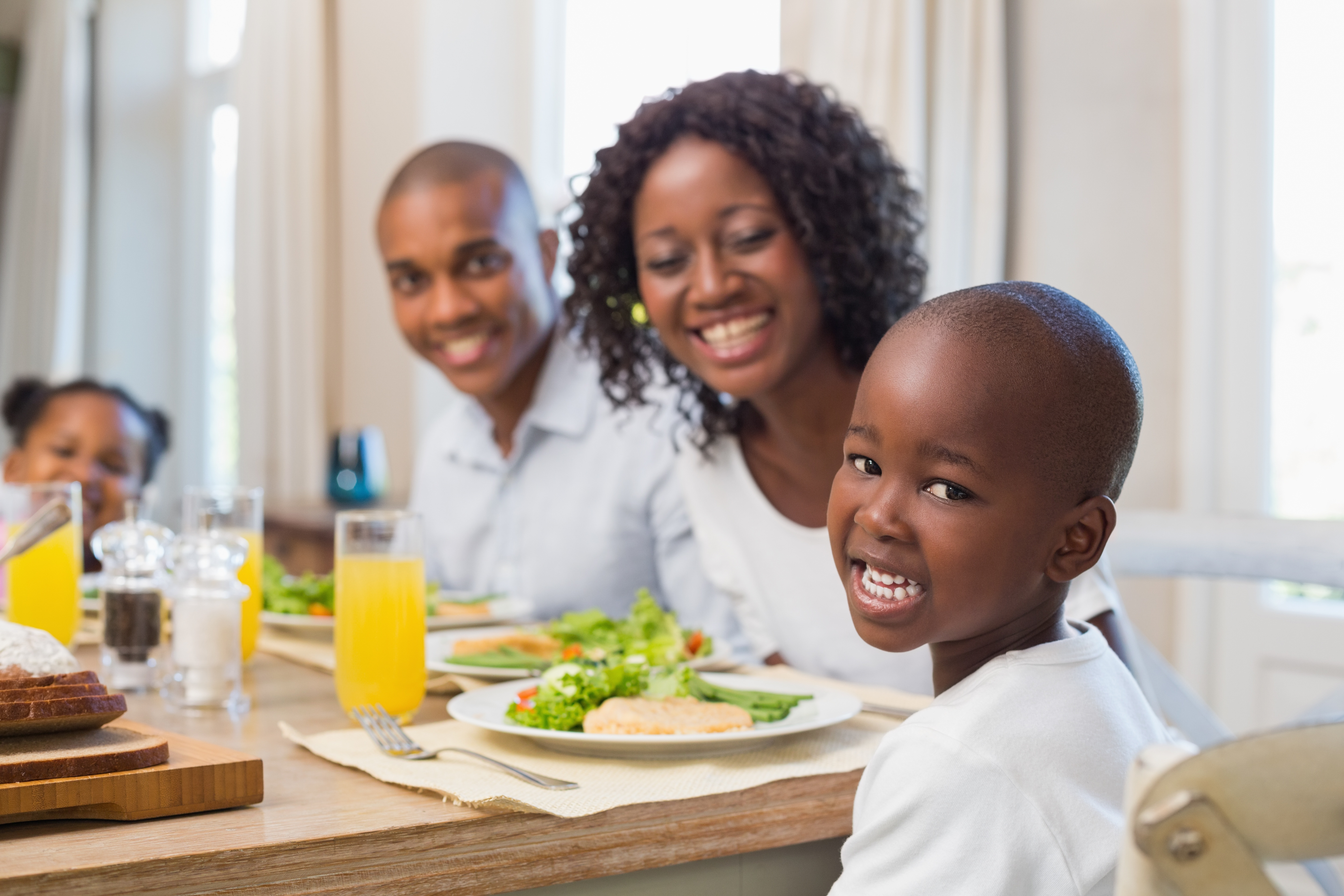 How To Get Kids To Stay At The Dinner Table Parenting